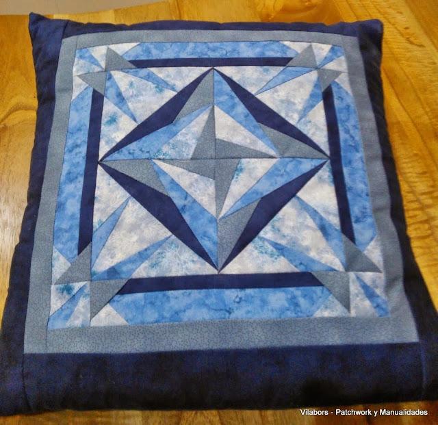 Cojín de Patchwork con diseño cuadrado en tonos azul