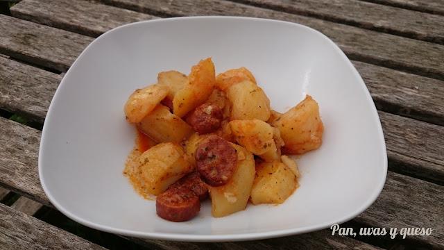 Patatas a la riojana (tradicional y Crock-Pot)