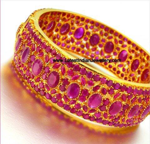 Beautiful Heavy Ruby Bangle set in 22 karat Gold | 480 x 461 jpeg 52kB