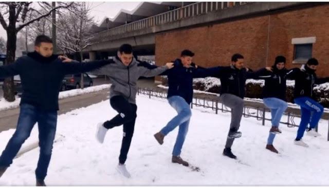 Κρητικοί χόρεψαν πεντοζάλι στο χιόνι