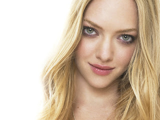 Amanda seyfried red lips img
