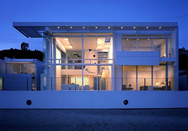 White beach house interior design in california interior design
