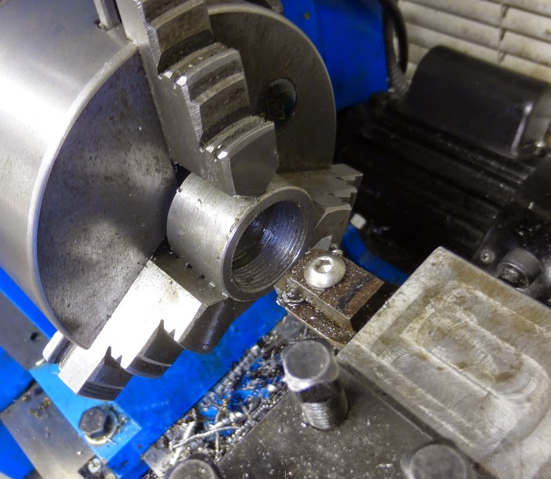 cutting internal threads on lathe