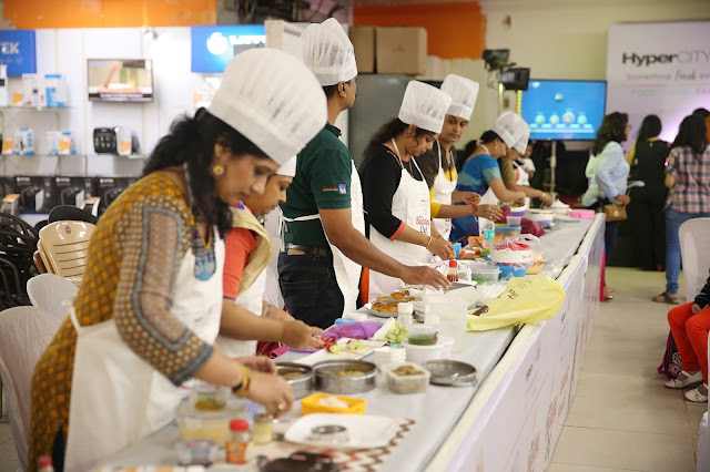 Contestants at HyperCITY Hyper Budding Chef Contest - Mumbai Finale