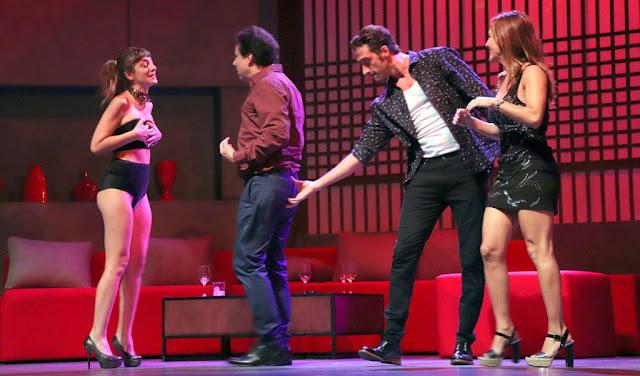 """""""DOS MÁS DOS"""", la versión teatral del film que alcanzó el millón de espectadores en el Teatro El Nacional Sancor Seguros"""