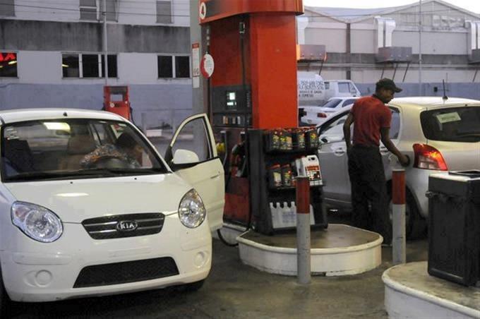 Precios de los combustibles aumentan entre RD$1.50 y RD$5.00