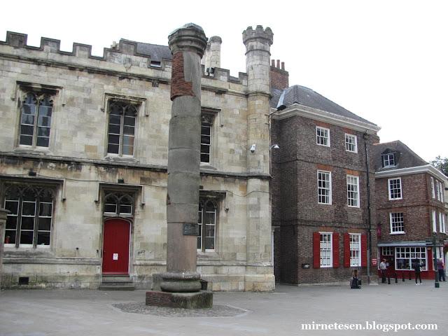 Йорк - римская колонна