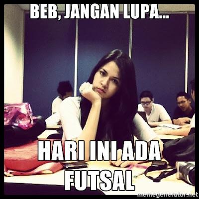 12 Meme 'Cewek Futsal' Ini Bikin Cowok Geli-geli Ngilu