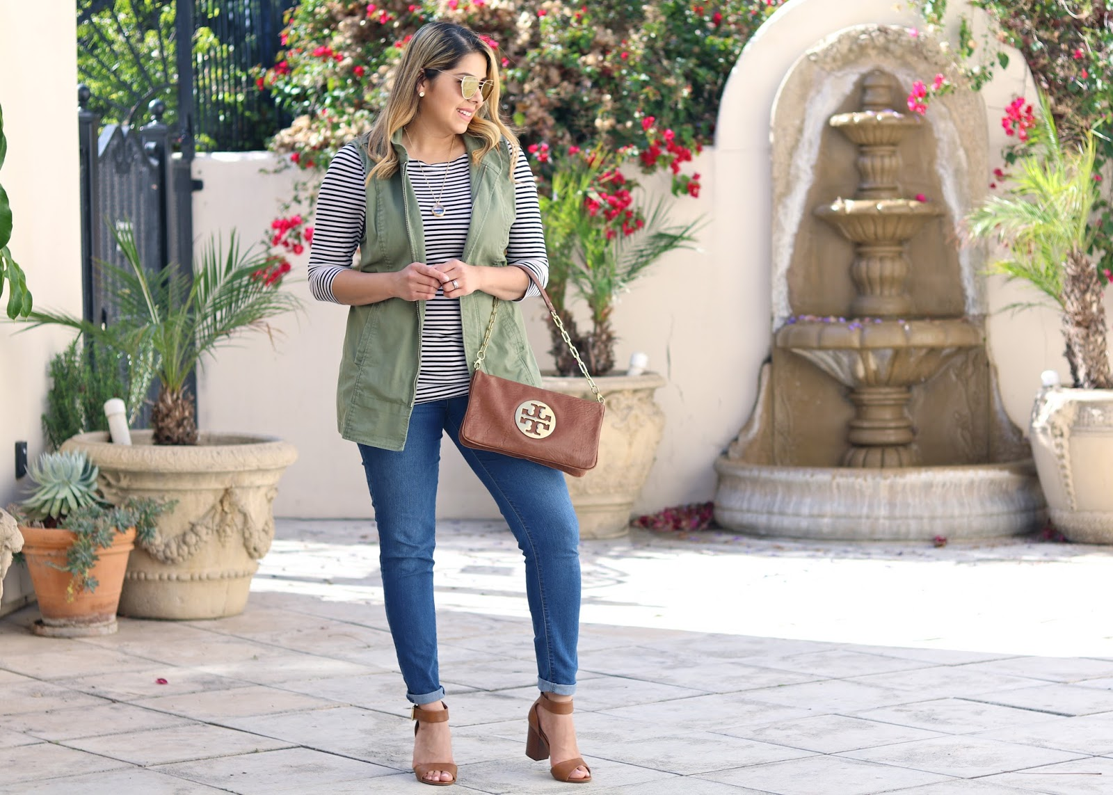 how to wear stripes, old navy skinny jeans outfit, how to wear a green utility vest