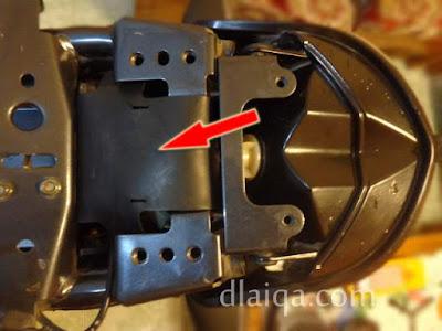 pasang kembali karet pelindung kabel