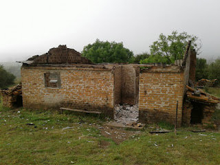 Casa pega fogo no Passo do Machado e Morador pede ajuda