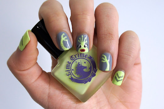 Aillen the Alien Nail Art