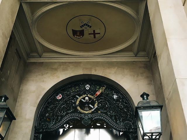 旧王立取引所(The Royal Exchange)