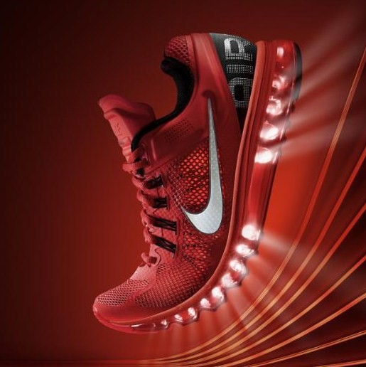 RUNNING WITH PASSION: Press Release: Nike makes an icon more