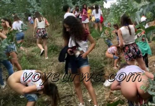 Girls Gotta Go 65 (Voyeur pee videos - Drunk spanish chicks peeing in public at festival)