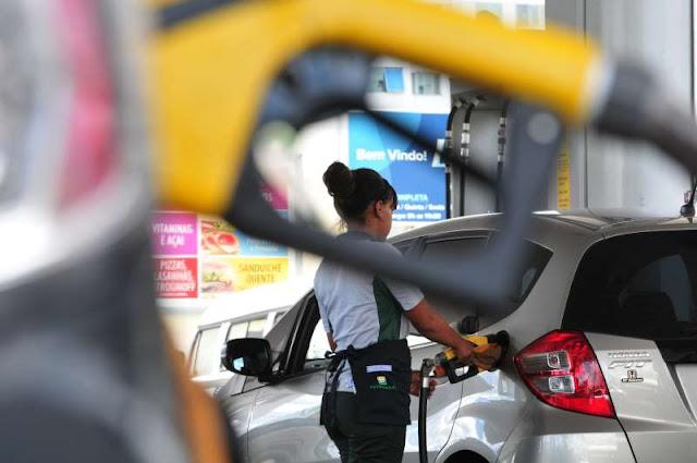Petrobras anuncia ajuste de 2,7% no diesel e de 1,8% na gasolina