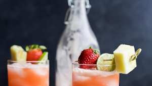 Pineapple Strawberry Agua Fresca #Drinks #Easyrecipe