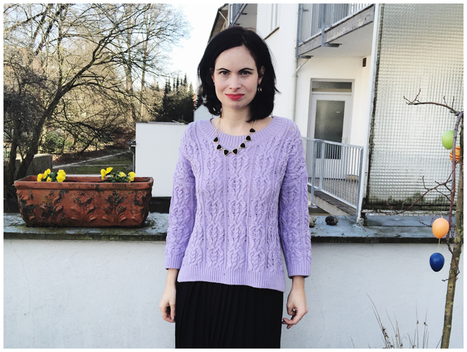 spring outfit   vintage   monki black pleated skirt, h&m lilac sweater   more details on my blog http://junegold.blogspot.de   life & style diary from hamburg   #outfit #spring #springoutfit #vintage #vintageoutfit #monki #hm #black #lilac