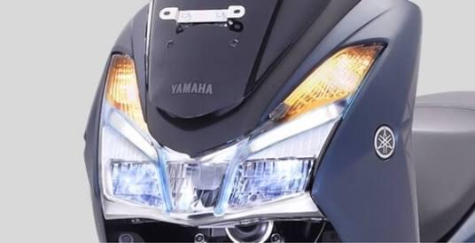 Guna Lampu Hazard di Sepeda Motor untuk Situasi Darurat Saja