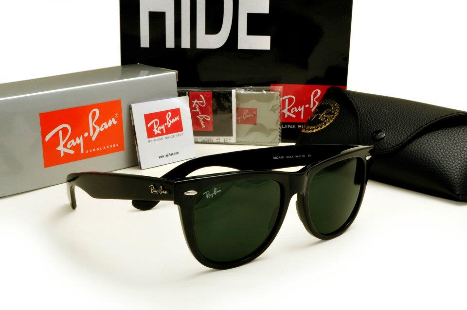 RAYBANS WAYFARER SUNGLASSES with box,case and cloth for Sale
