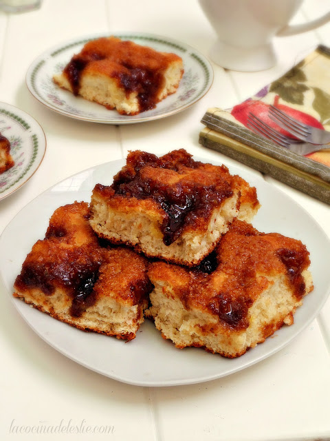 Most Popular Recipe of the Week | Brunsviger (Danish Coffee Cake) from La Cocina de Leslie #recipe #SecretRecipeClub #coffeecake #breakfast #Danish