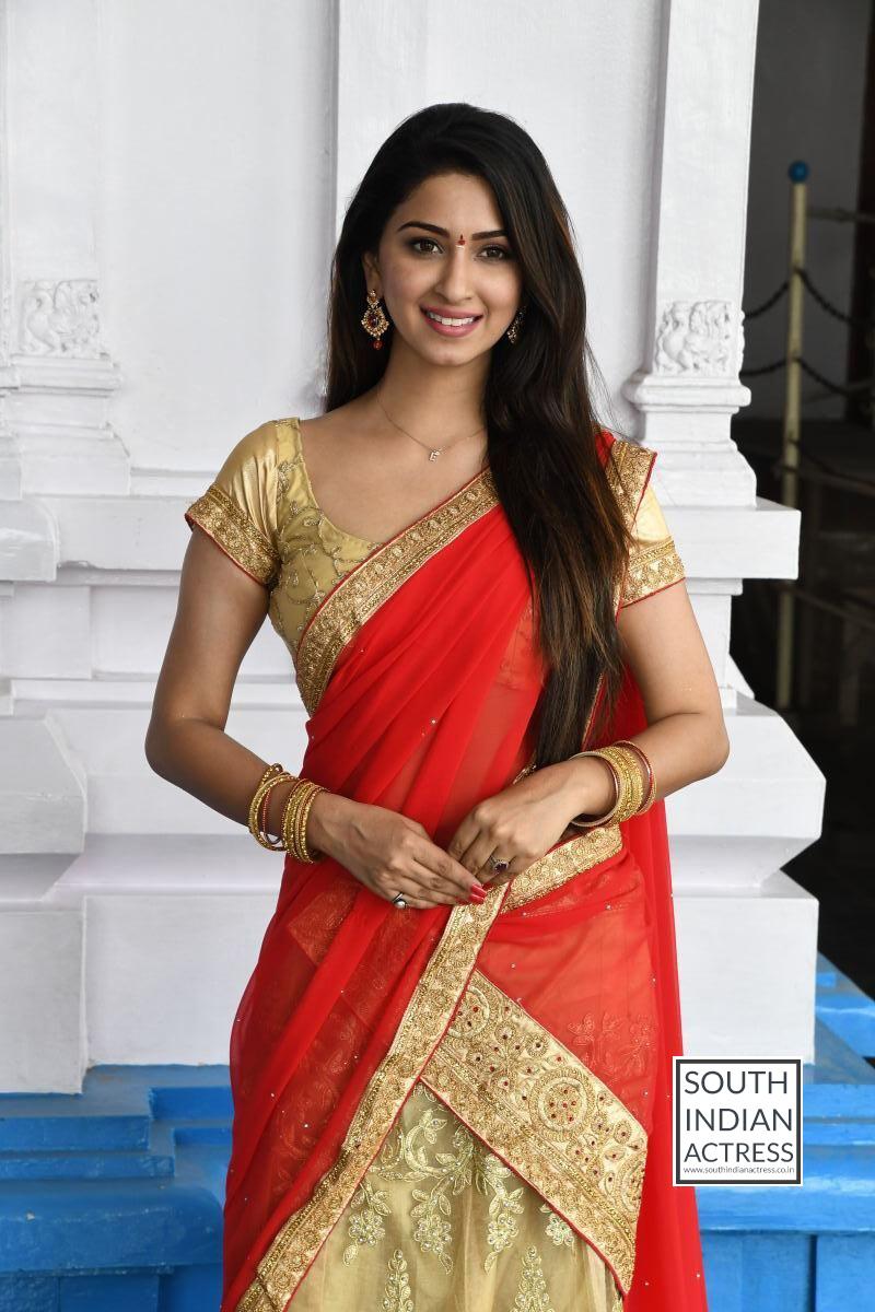 Eshanya Maheshwari Hot Stills At Ammai Nachindi Movie -5324