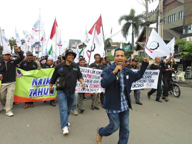 Buruh Aceh Minta Gubernur Tetapkan UMP Rp2,3 Juta