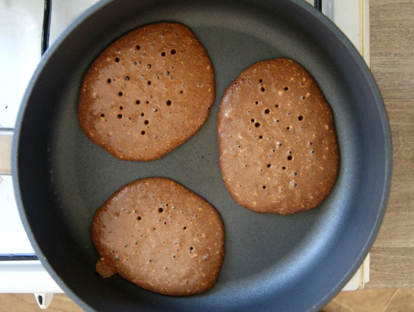 Czekoladowe owsiane pancakes