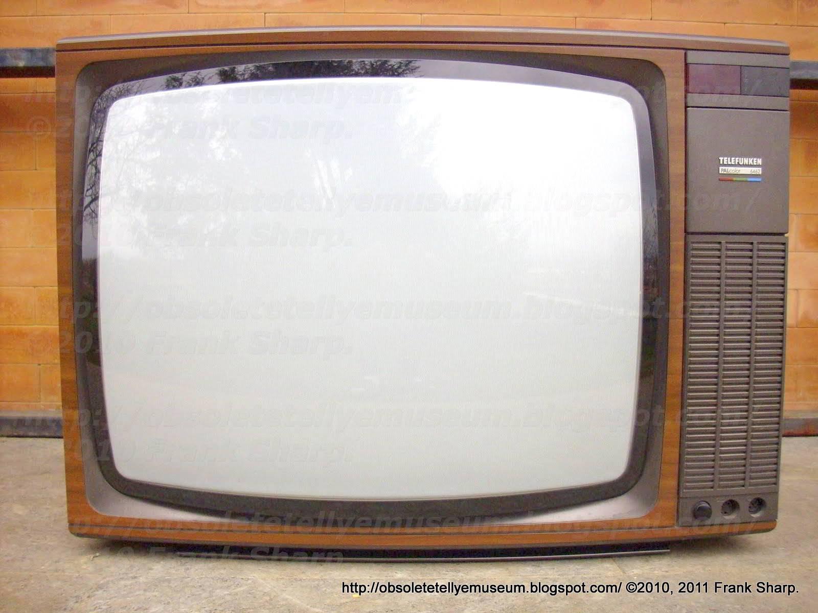 Obsolete Technology Tellye !: TELEFUNKEN PALCOLOR 6462J YEAR