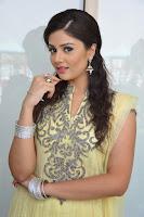 HeyAndhra Actress Sri Mukhi Latest Photos Gallery HeyAndhra.com