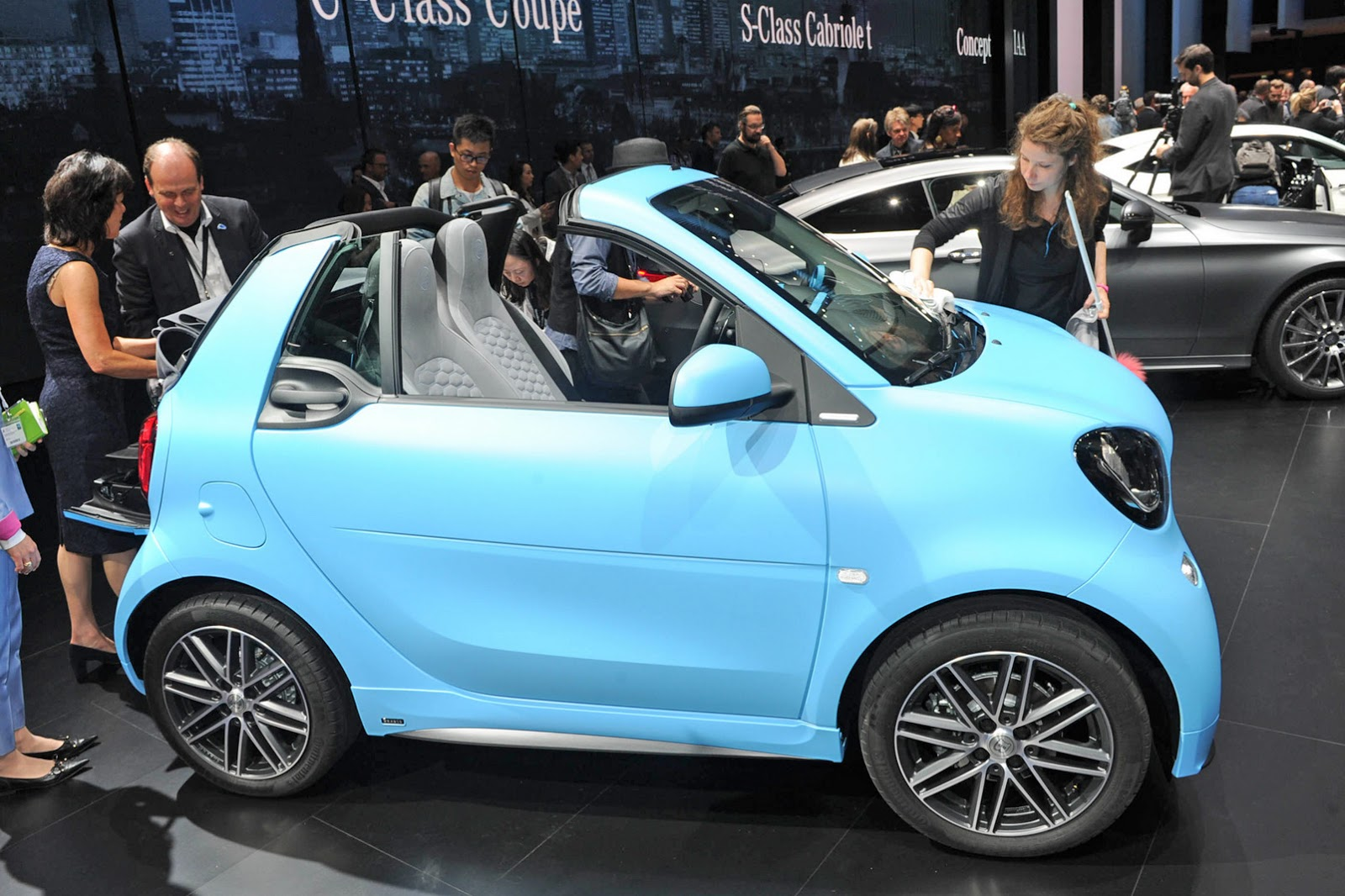 Smart Peels Back The Roof On New Fortwo Cabrio