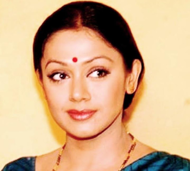 Shobana daughter, actress, age, daughter, daughter marriage, marriage photos, movies, marriage, photos, actor, chandrakumar marriage, family, family photos, date of birth, husband, biography, actress profile, malayalam actress, family photos, daughter, chandrakumar, daughter photos, marriage photos, actress age, parents, images, dance