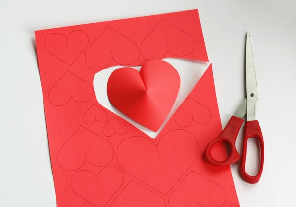 Make a wall of paper hearts how about orange - Idee deco st valentin ...