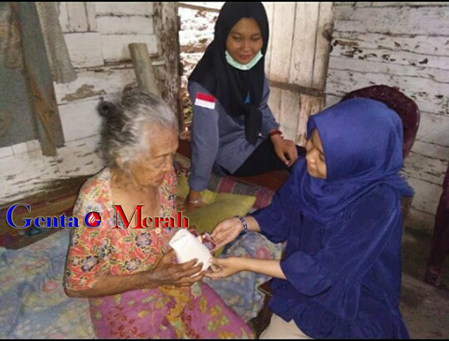 Indahnya Berbagi Rezki Bagi Kaum Dhuafa Ala Komunitas Berbagai Nasi Pesarwan