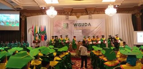 317 Mahasiswa UNIRA Malang Diwisuda