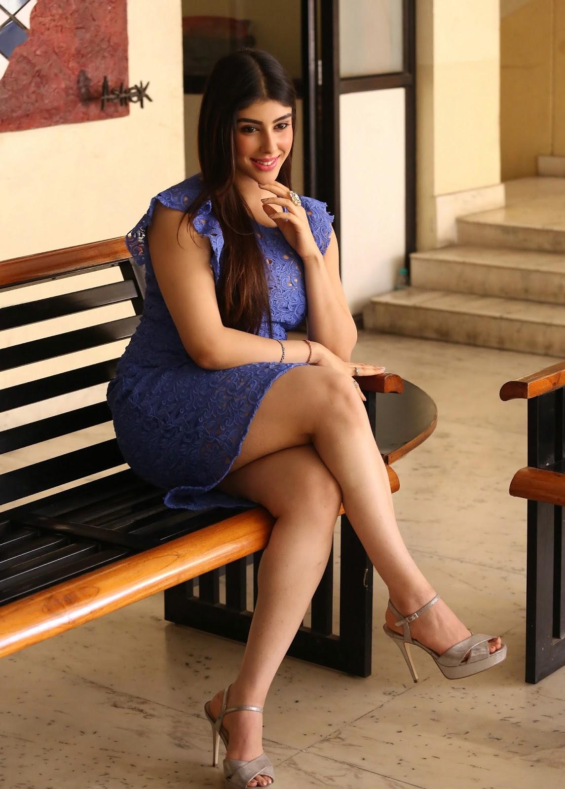 Beauty Galore Hd  Aditi Singh Super Hot Exposing Thunder