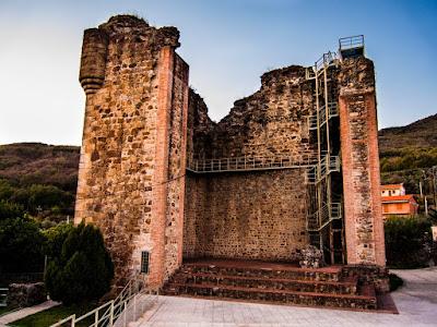 Castillo de los Condes de Nieva en Valverde de la Vera