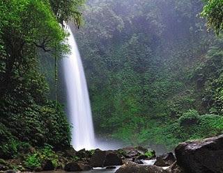 Wisata Air terjun nungnung Bali-7+ Tempat Wisata Menarik di Bali yang Wajib Dikunjungi