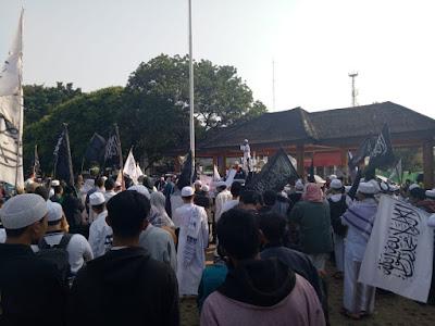 Tuntut Ustad Suherman dan Sodikin Dibebaskan, Ratusan massa umat Islam Gelar Aksi di Bekasi