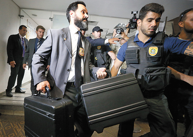 Vitória do Senado: ministro do STF suspende operação da PF no Senado