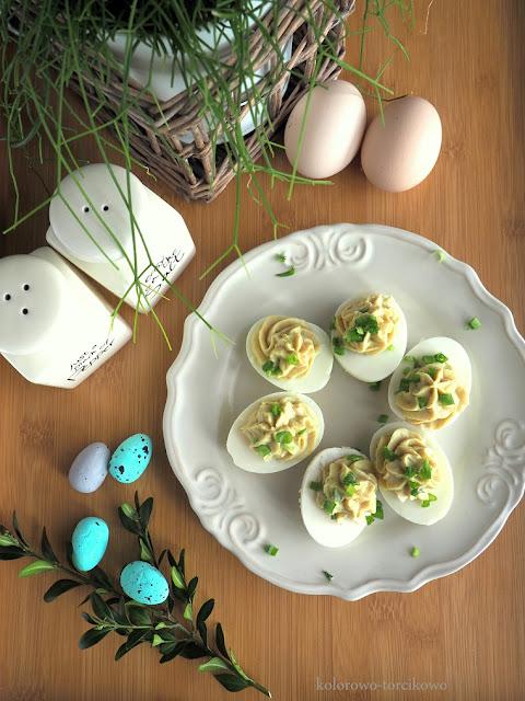 jajka-faszerowane-pastą-z-fasoli