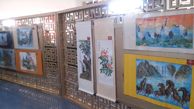The Chan Lim Family of Artists have been engaged in the arts for almost half a century. Presently, there are 3 generations of Chan Lim artists utilizing a wide variety of media, styles and techniques infusing Western techniques into traditional Eastern Art.