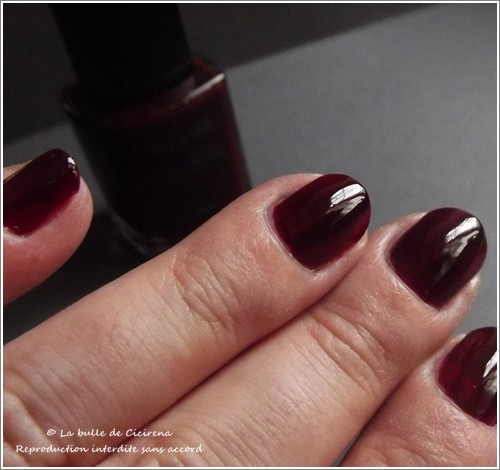 swatches vernis BYS rubis , Vernis Laqué BYS Rubis (Moody Ruby)
