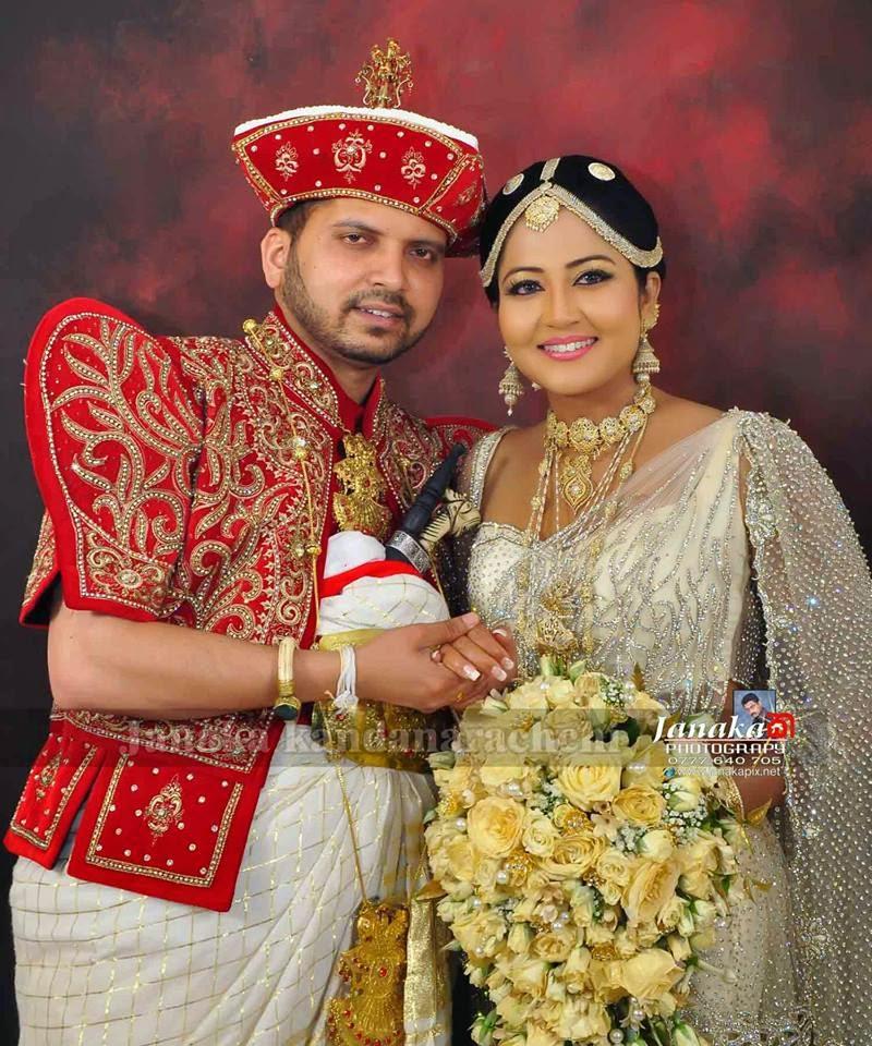 Bridal Photo Gallery: Lankan Wedding Photos : Lochana Imashi Wedding