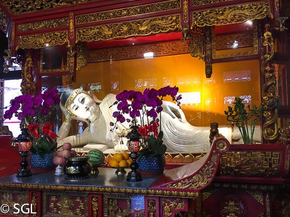 Buda tumbado en el Templo del Buda de Jade en Shanghai