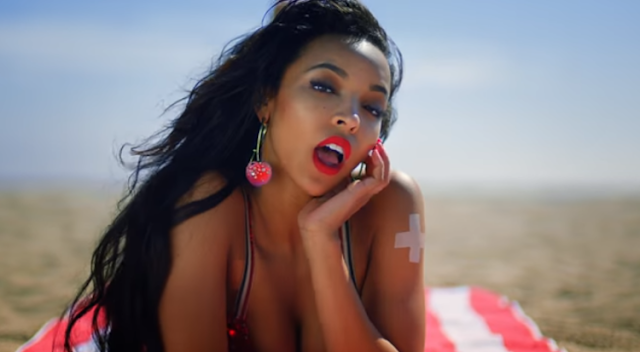 VÍDEO - Tinashe – Superlove