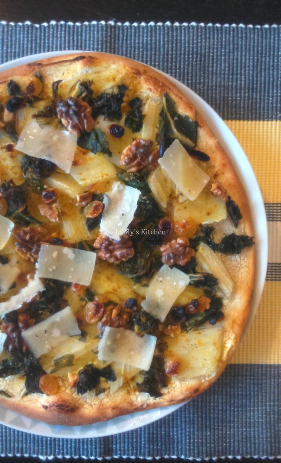 in my 39 s kitchen c 39 est de saison pizza aux blettes. Black Bedroom Furniture Sets. Home Design Ideas