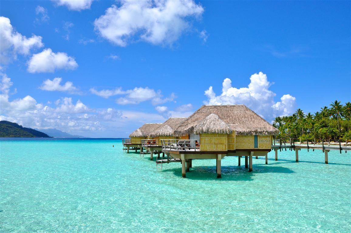 Beli Tiket Pesawat dan Booking Hotel Sekaligus, Ya di Traveloka Aja!