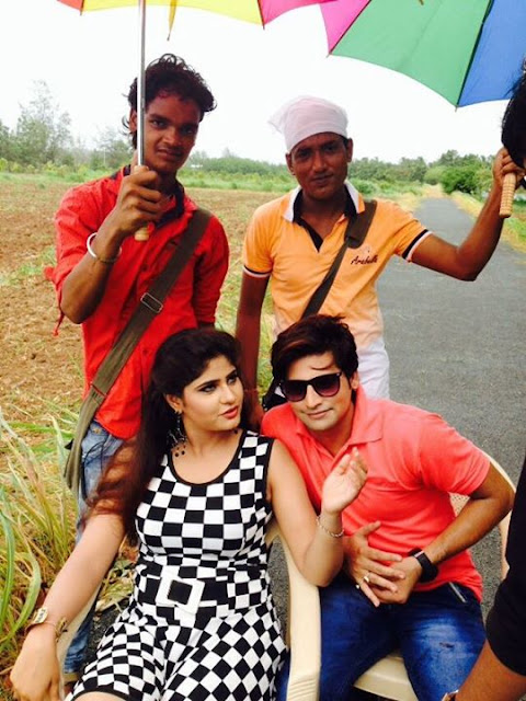 Neha Shree and Rakesh Mishra on the set of bhojpuri movie Barsaat