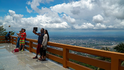 Beautiful views of Chiang Mai from this viewpoint at Wat Phra That Doi Suthep